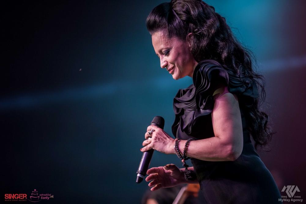 event-agency-singer-lucie-bila-ciganski-diabli-zilina-2015-10