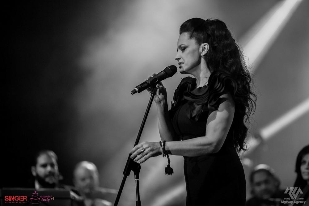 event-agency-singer-lucie-bila-ciganski-diabli-zilina-2015-13