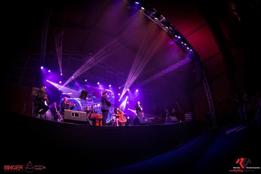 event-agency-singer-lucie-bila-ciganski-diabli-zilina-2015-20