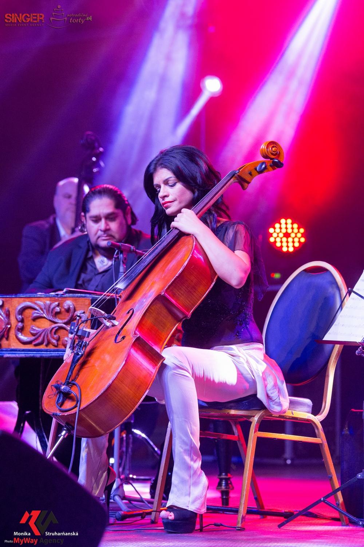 event-agency-singer-lucie-bila-ciganski-diabli-zilina-2015-22