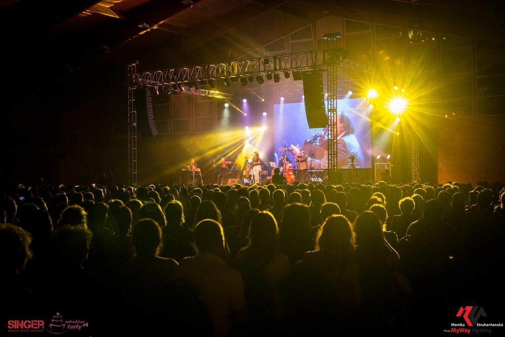 event-agency-singer-lucie-bila-ciganski-diabli-zilina-2015-41