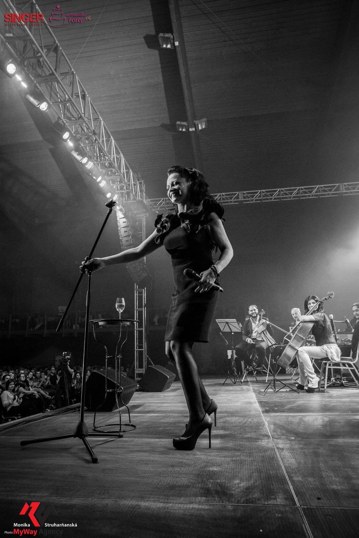 event-agency-singer-lucie-bila-ciganski-diabli-zilina-2015-51
