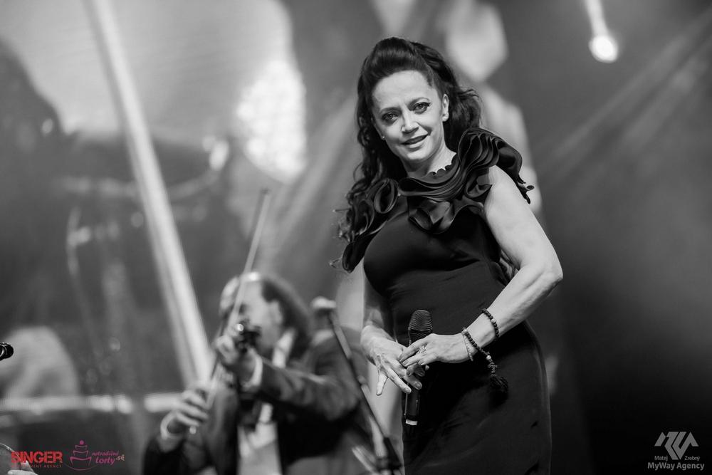 event-agency-singer-lucie-bila-ciganski-diabli-zilina-2015-9