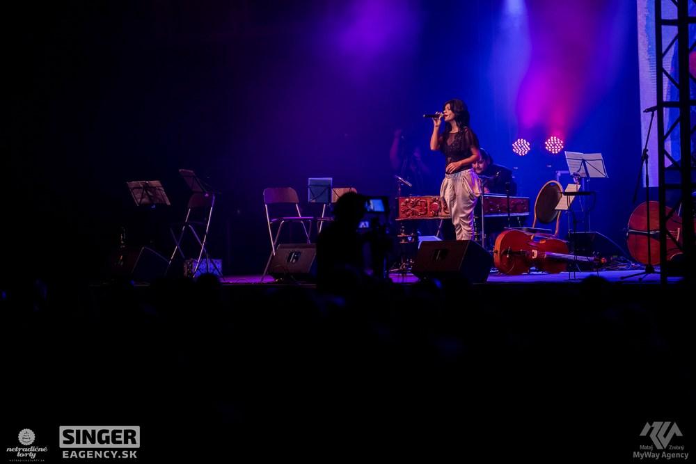 eventova-agentura-singer-koncert-lucie-bila-ciganski-diabli-zilina-05