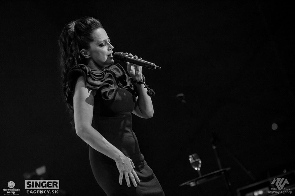 eventova-agentura-singer-koncert-lucie-bila-ciganski-diabli-zilina-46