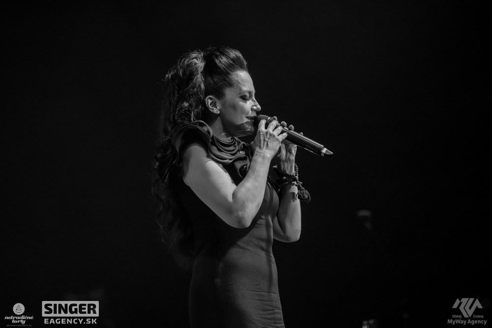 eventova-agentura-singer-koncert-lucie-bila-ciganski-diabli-zilina-49