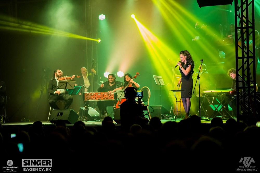 eventova-agentura-singer-koncert-lucie-bila-ciganski-diabli-zilina-54