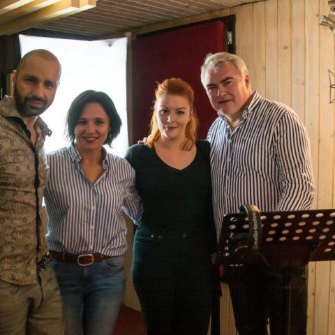 eventova-agentura-singer-zilina-robo-opatovsky-miroslav-dvorsky-a-barbora-svidranova-naspievali-velkolepu-vianocnu-piesen-aleluja-2